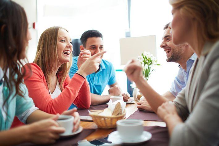 Cómo actuar en las comidas y cenas de empresa